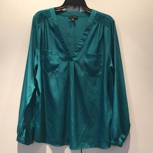 Willi Smith turquoise long sleeved blouse size XL